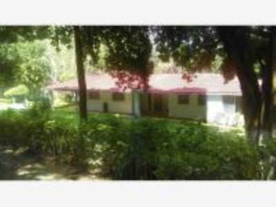 CountryHouse en Venta en Colonia El Pochote en Tlaltizapan Morelos, Ubicada en Bellísimo Lugar