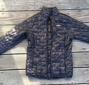 Patagonia Women Ultralight Puffer Jacket: Size S. Black
