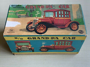 Details about Vintage TN Nomura Japan Battery Operated Tinplate Grandpa Car