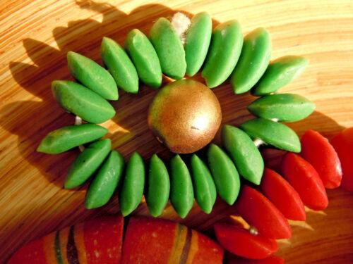 Neue Light Green Opak Scheiben-Perlen aus Afrika-Recycleglas 20Stk. ca.13-14mm