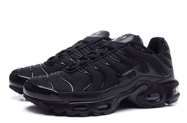 catch cbeaa 2d5a5 NIKE AIR MAX PLUS TN TUNED BLACK ALL SIZES BRAND NEW ADULTS & KIDS  604133-050