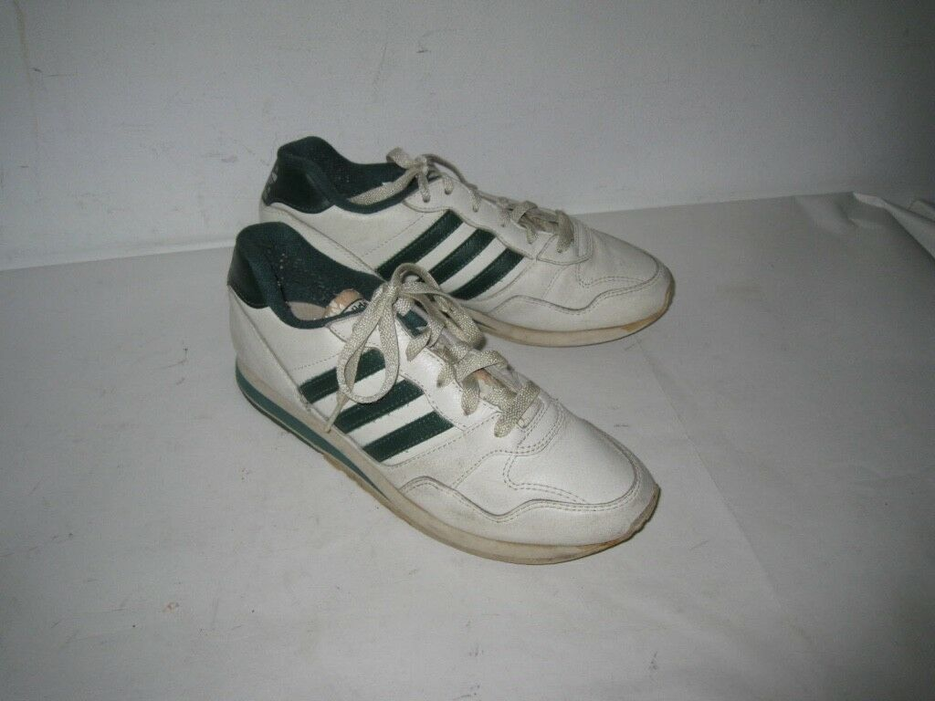 Vintage 1980s Adidas COUNTRY White Leather Sneakers Made in Korea Size US 8