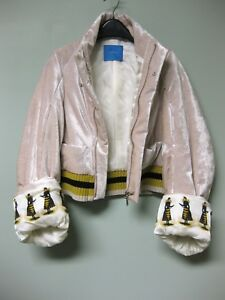1295-UNDERCOVER-Jun-Takahashi-Queen-Bee-Printed-Cuffs-Pale-Pink-Bomber-Jacket