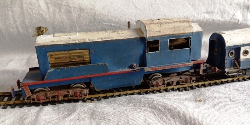 ANTIQUE METAL TOY TRAIN SET TWO ENGINES THREE WAGONS WITH LOT TRACKS HANDMADE