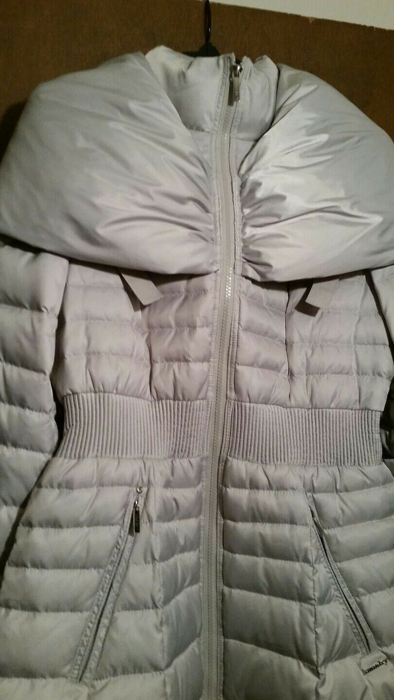 Laundry by shelli segal down puffer coat, Nwt. color pebble size med