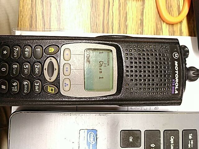 Motorola H18UCH9PW7AN XTS 5000 700 / 800 MHz Two Way Radio