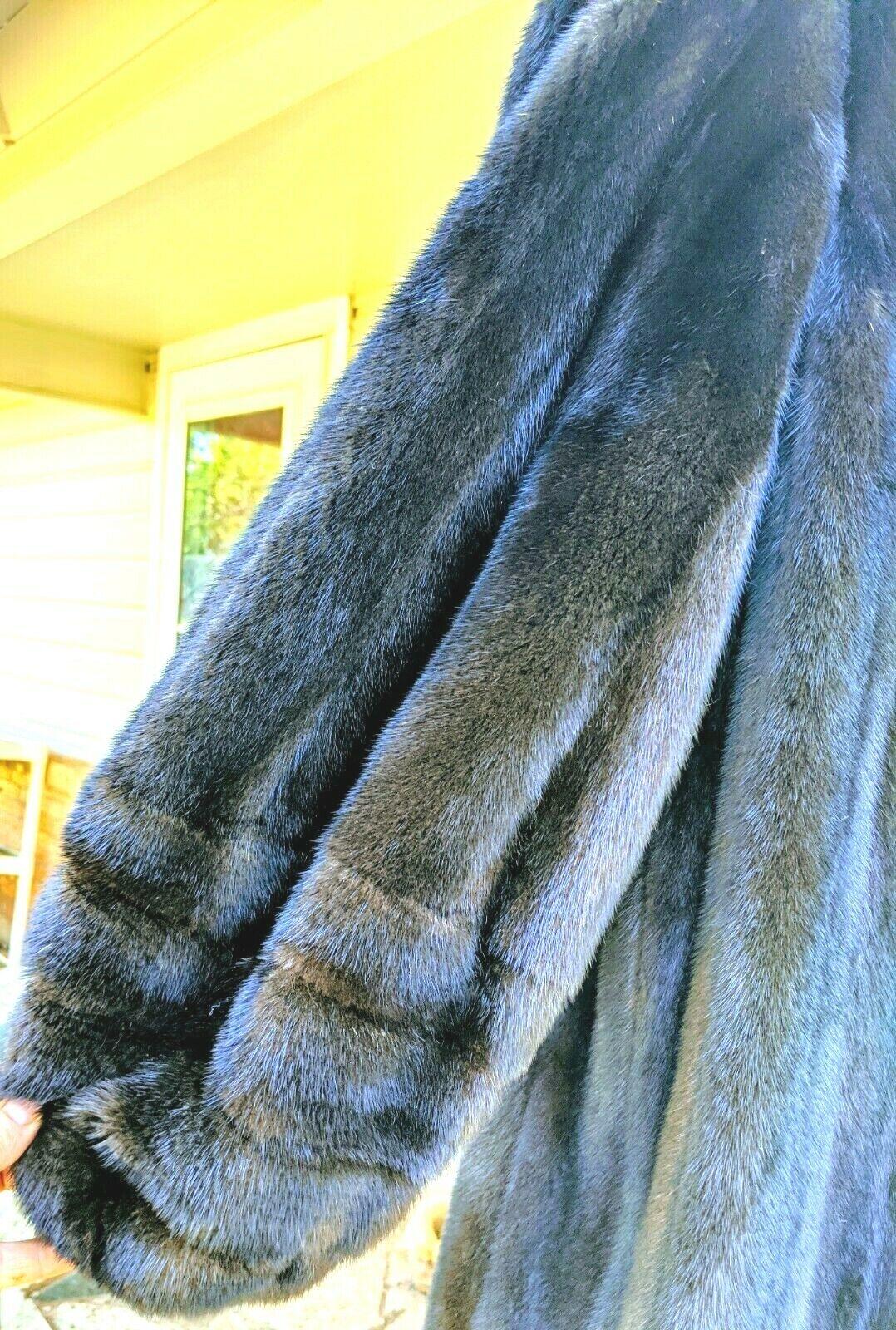 Gorgeous Real Ranch mink Female pelts Fur Coat br… - image 5