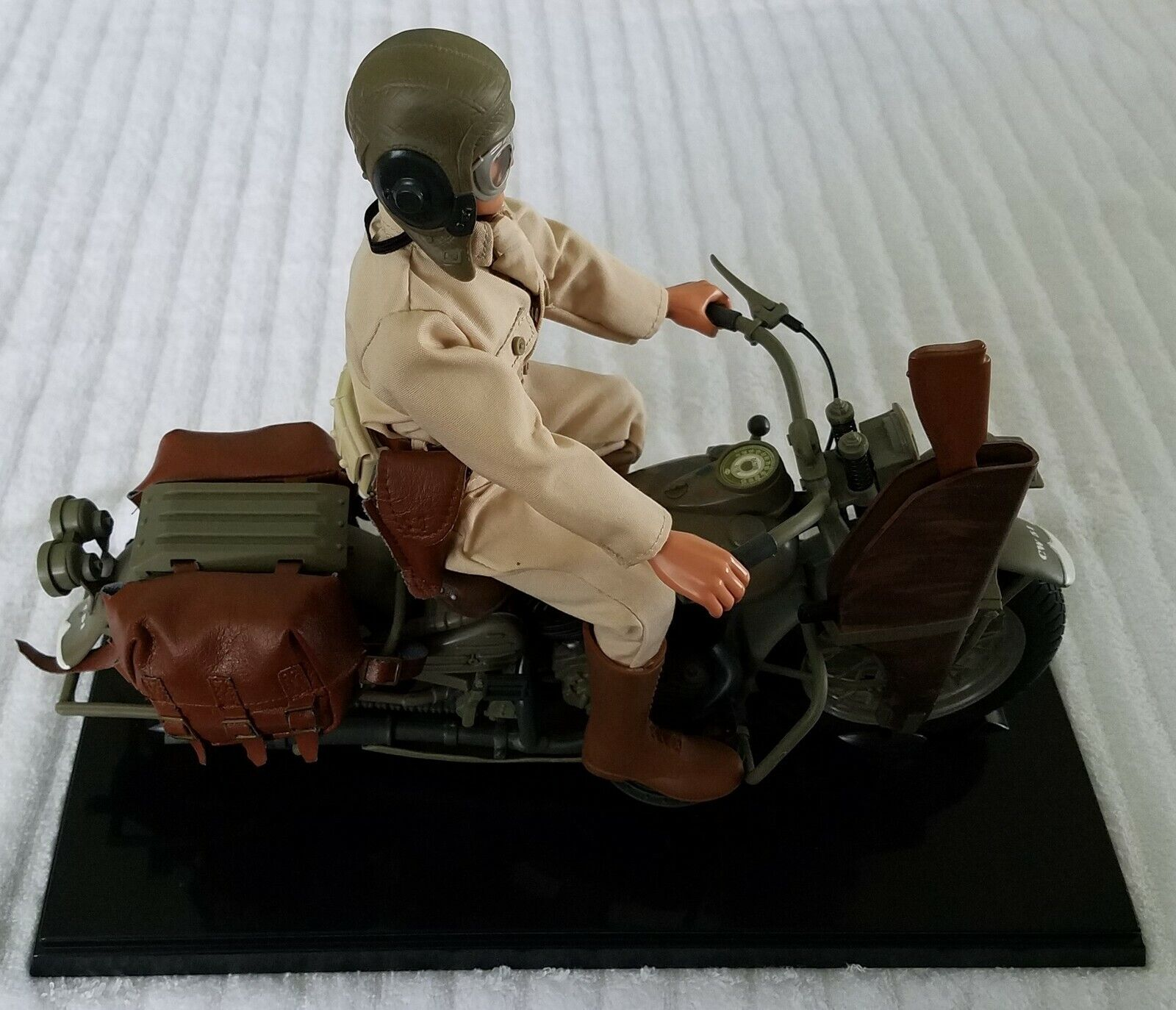 G.I. Joe Classic Collection U.S. Army Courier WLA 45 motos Harley-Davidson
