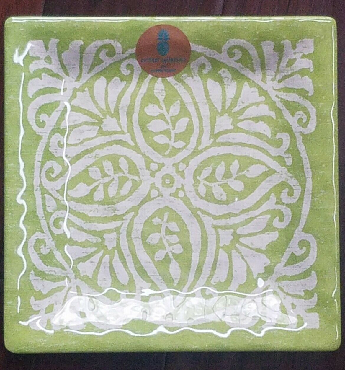 NEW OUTDOOR COLLECTION LIME GREEN MEDALLION SET OF 4  MELAMINE SALAD PLATES