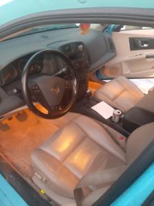 Cadillac cts manuel 2000$ nego
