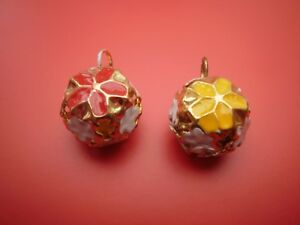 8-jingle-gold-bells-red-or-yellow-flower-jewellery-making-crafts-work-14-mm