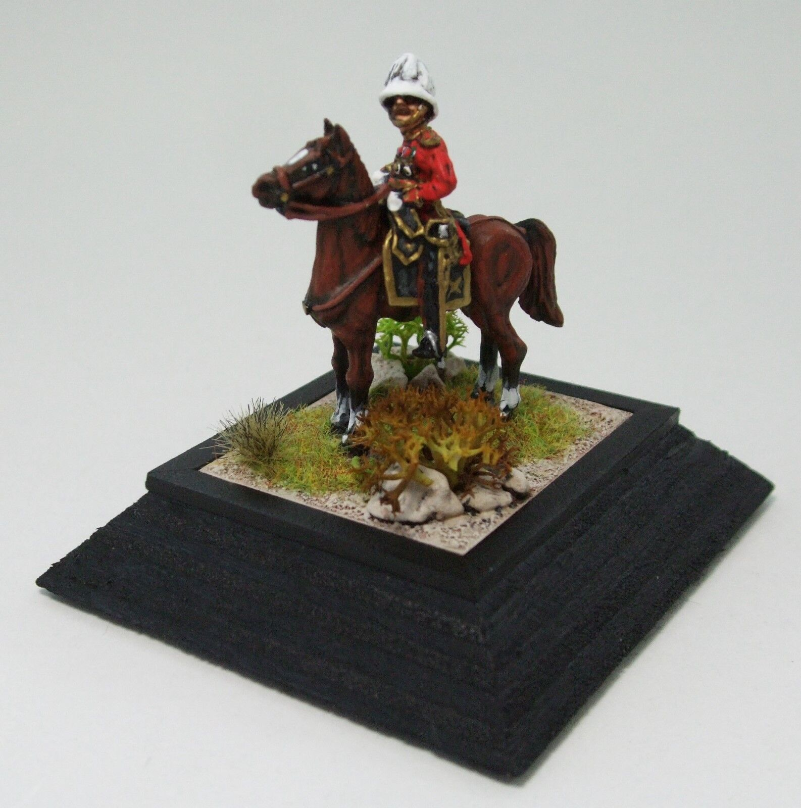 28mm General Herbert Kitchener by Connoisseur miniatures with detachable plinth.