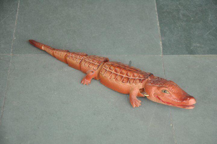 Vintage Wind Up Celluloid Pink Crocodile Toy , Japan