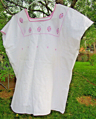 Women's White Sleeveless Top Pink Embroidery No Labels Size 2X