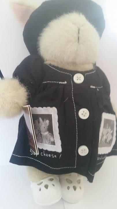NABCO Artistes at at at Work Hoppy the Hare The Muffy Vanderbear Collection 1999 RARE 477799