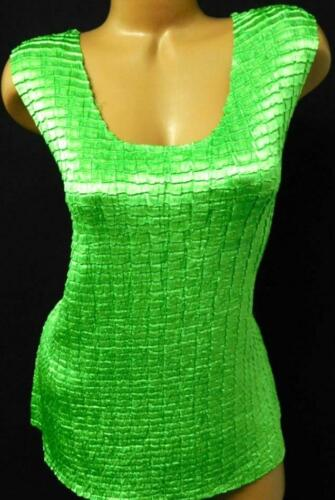 Sere nade green shiny look textured scoop neck sle
