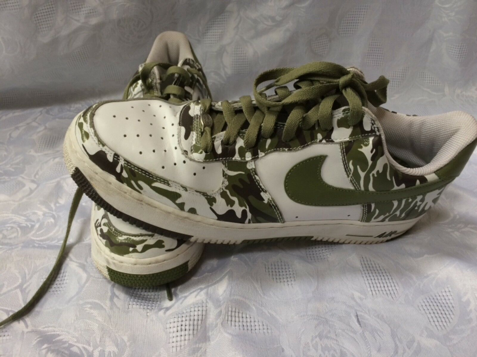 Nike Air Men's 13 Shoes⭐️White/Green Camouflage
