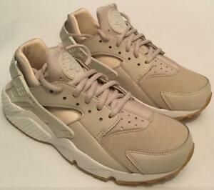 Nike Women's Air Huarache Run Trainers - Beige-White - Sizes UK 3 ...