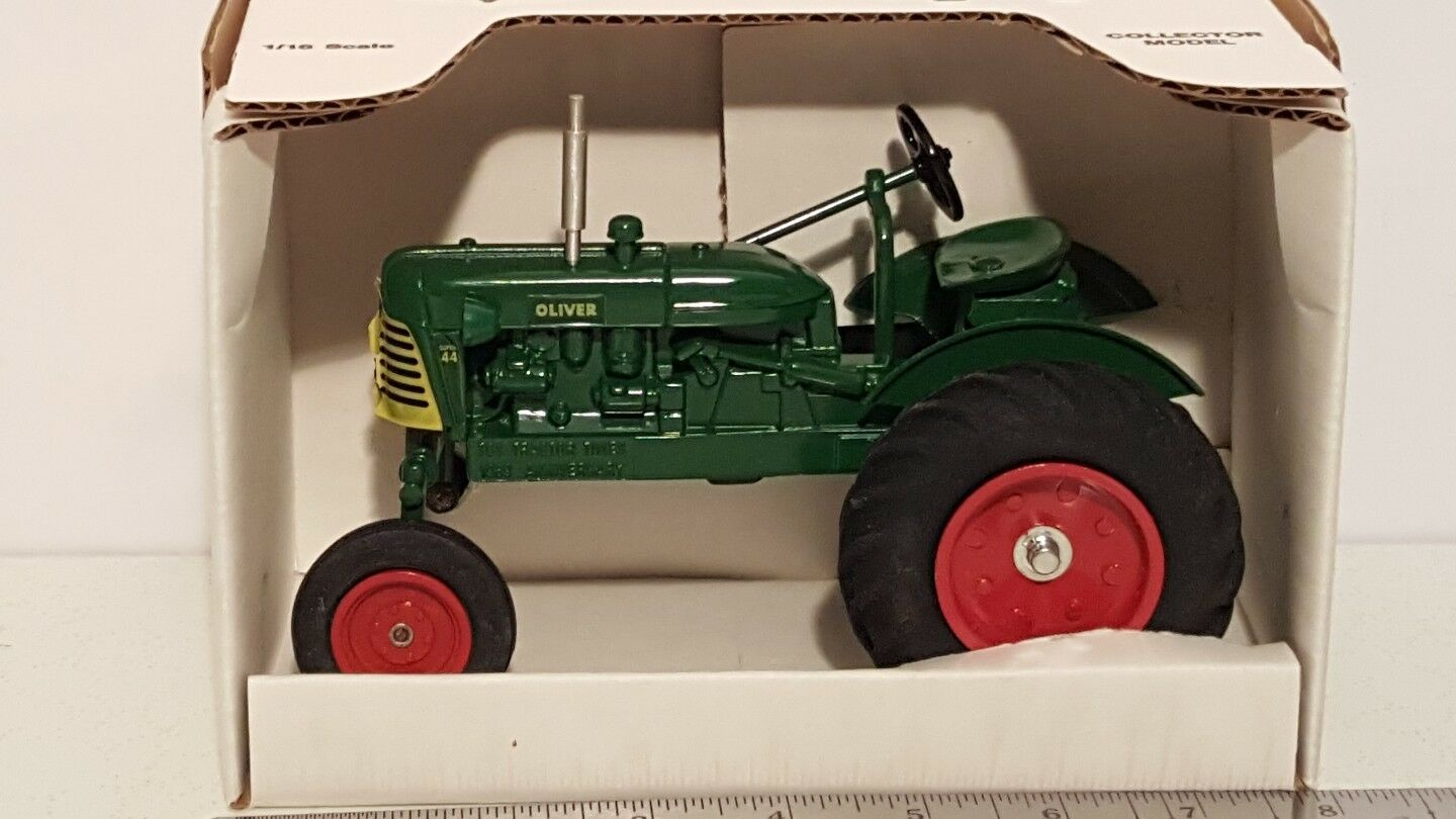 ERTL OLIVER SUPER 44 1 16 DIECAST METAL Farm tracteur REPLICA DE COLLECTION