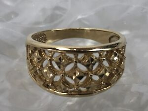 size 7.75 Gorgeous and Precious Ring Estate 14K gold etched wide band ring