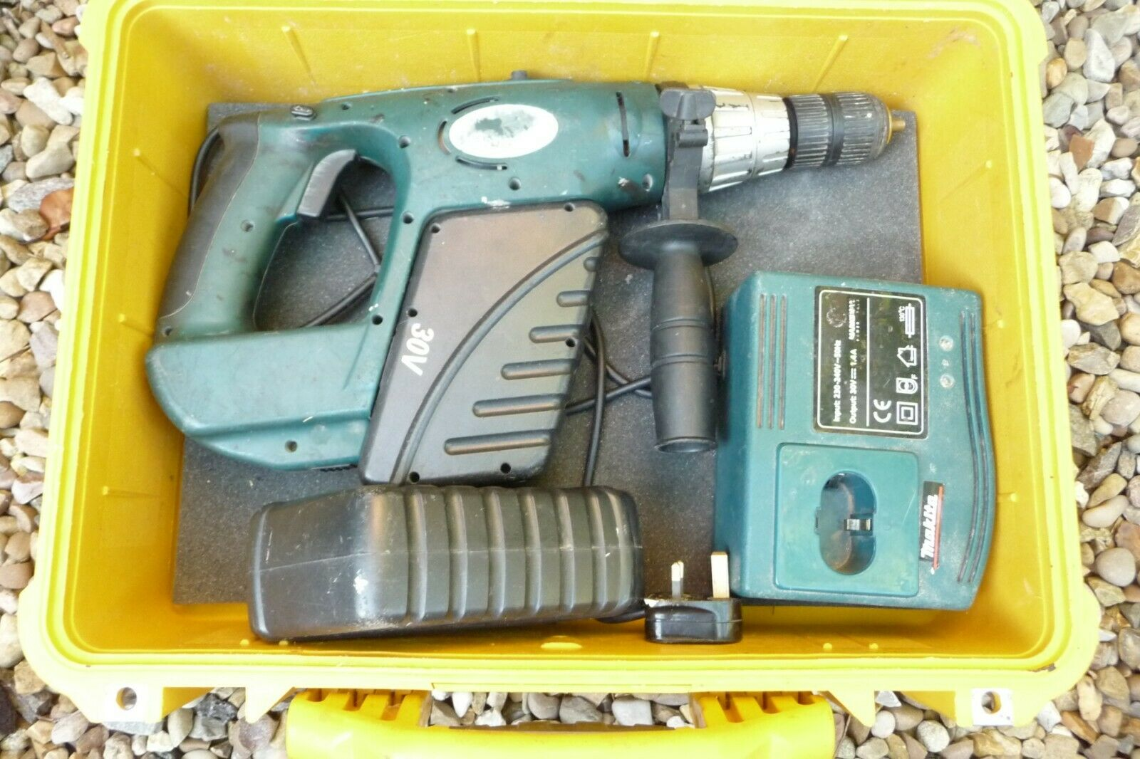 Hammer Drill MARKSMAN 30v &spare battery GOOD life + PELICAN Gelb plastic case