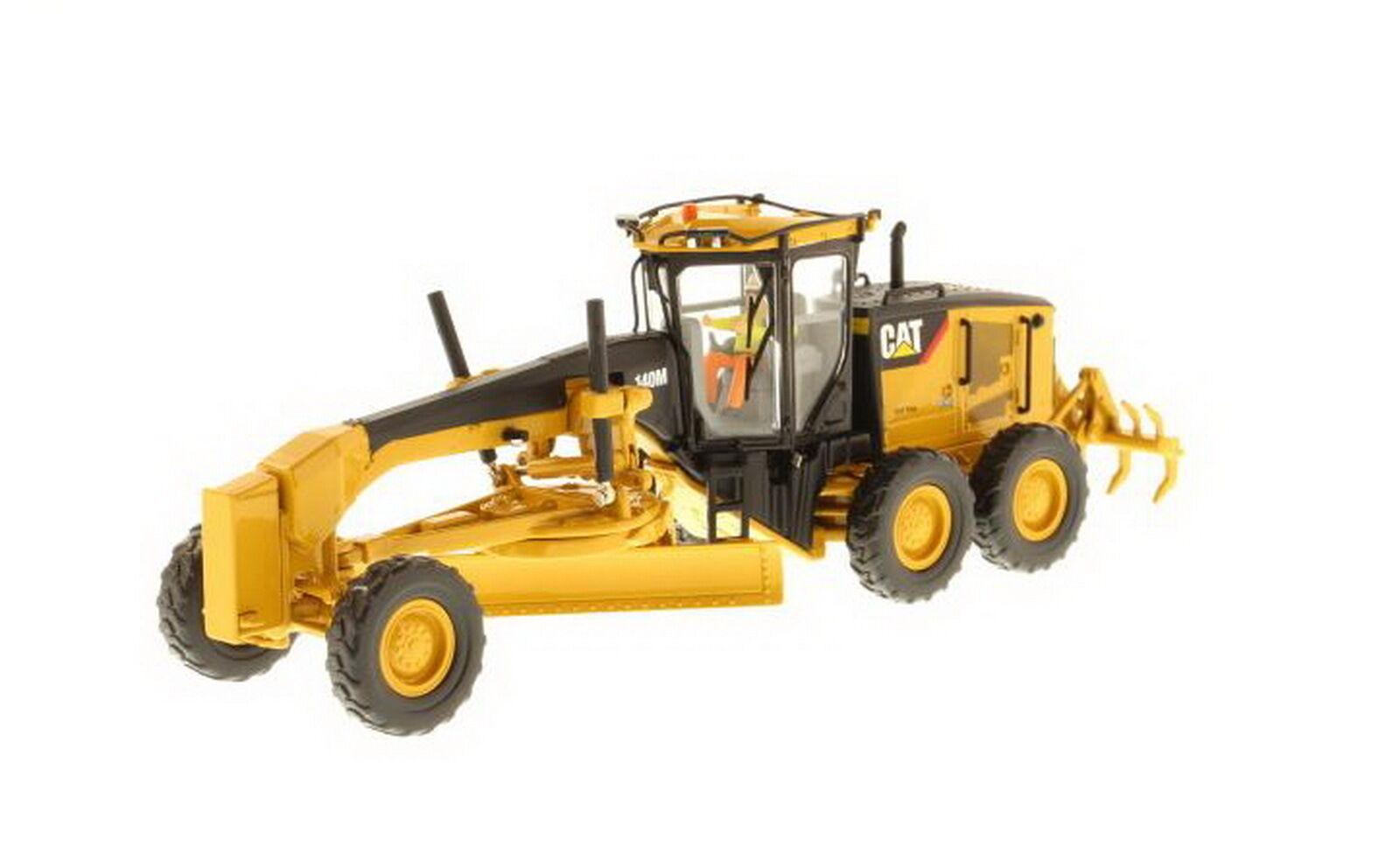 1 50 DM Caterpillar Cat 140M Motor Grader Diecast Model