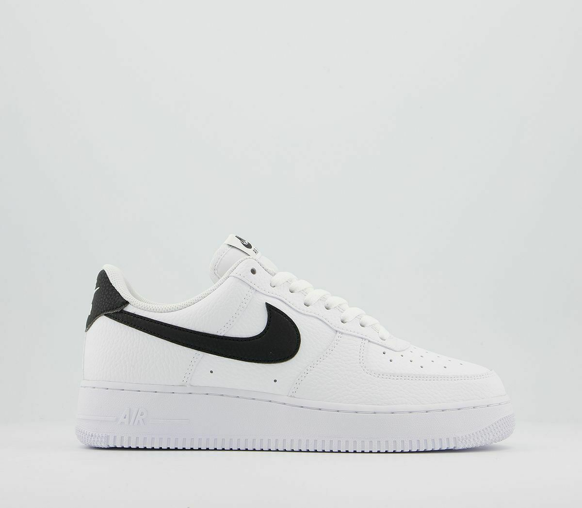 Nike Air Force 1 07 White Black Men's Trainers Limited Stock