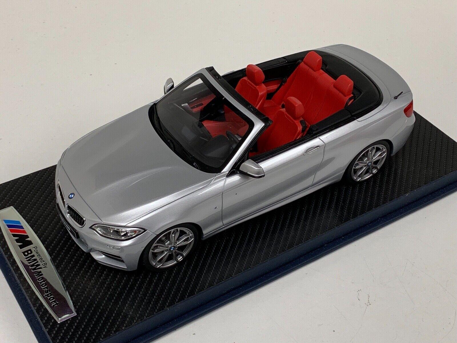 1 18 GT Spirit BMW M 235i Cabrio En Plata GT102 Base de Cuero