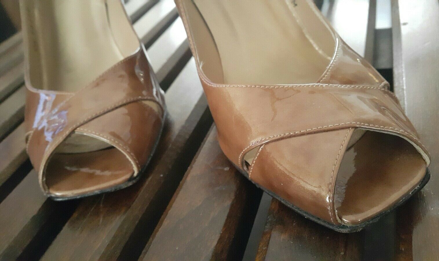 Stuart Weitzman Caramel Brown Pumps Shimmery Patent Leather Peep-Toe Pumps Brown Sz 5 1c4d80