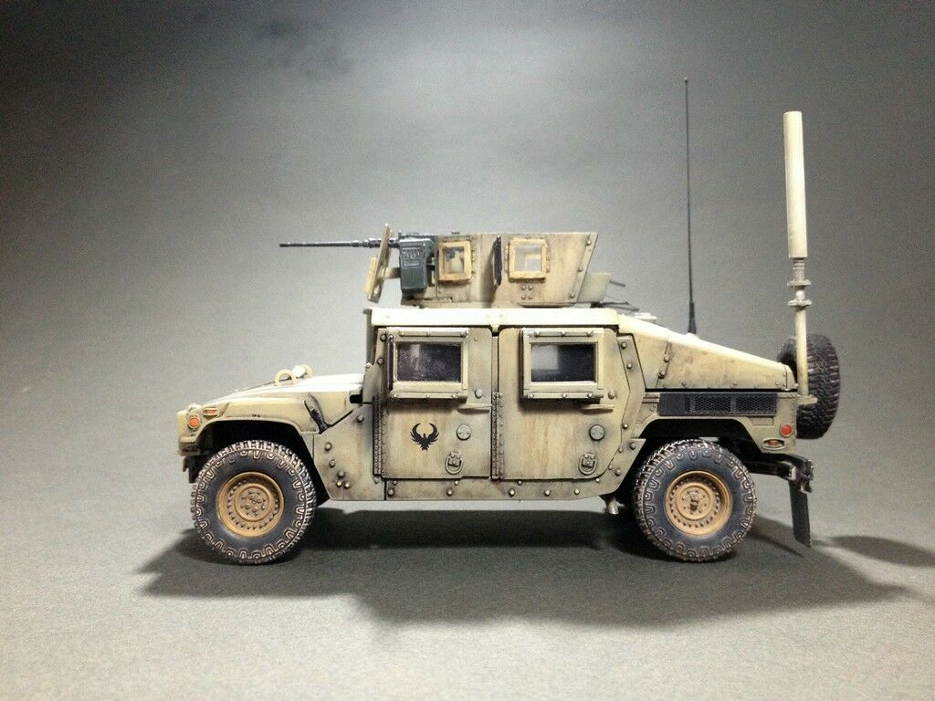 Humvee  M1151 - scale 1 35 - built and painted