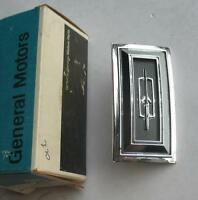 1974-1979 Oldsmobile Cutlass Supreme D88 Wheel Cover Center Emblem 416573