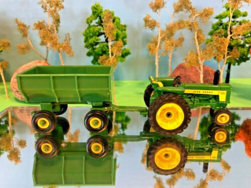 1//64 Agriculture Layout # John Deere 530 Tractor /& Trailer Set Farm Toy