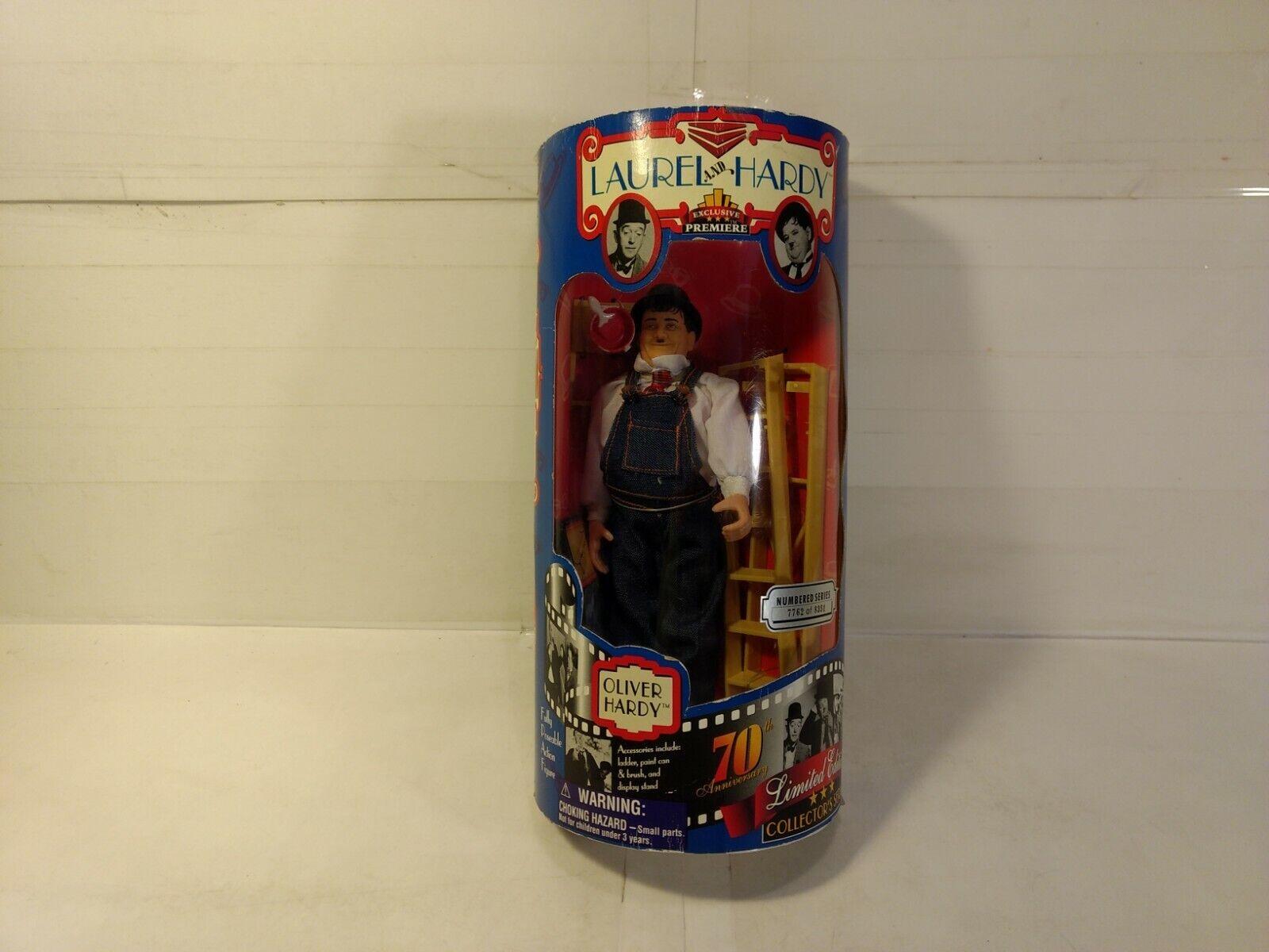 Exclusive Premiere Laurel & Hardy Oliver Repositionnable Figurine Articulée