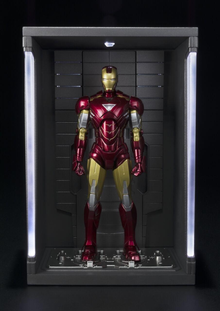Iron Man - Iron Man Mark VI & Hall of Armor S.H. Figuarts Action Figure  Bandai