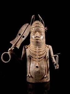 Bronze-Statue-eines-Oba-Nigeria-5-4-kilo