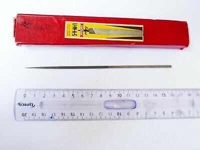 #47 Lime  aiguille ronde  UMAS  16  cm  grain 00