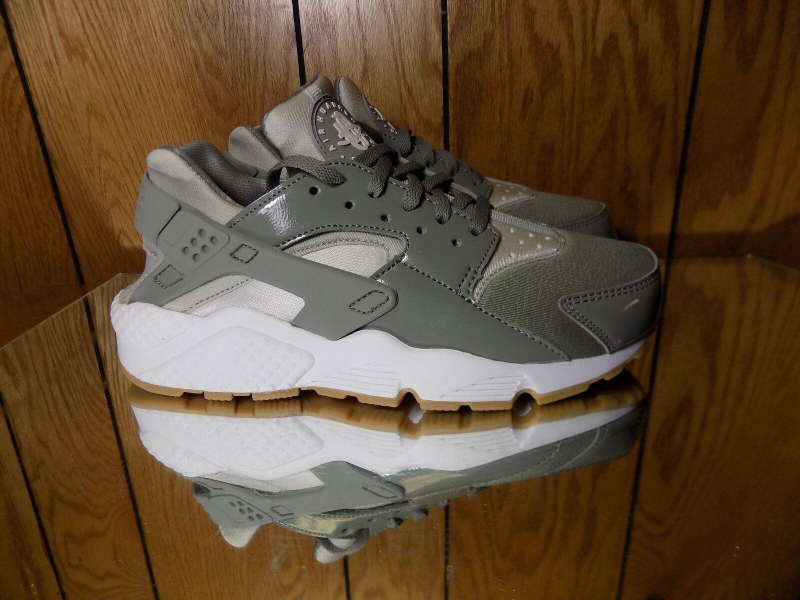 d05b3d0b6287 Nike Nike Nike Women s AIR HUARACHE RUN shoes Dark Stucco Pale Grey 634835-027  b s. 7.5 c329f1