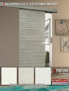 porta scorrevole esterno muro con mantovana colori con venature a