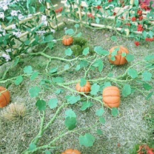 "MP Scenery Products 70103 6//pk HO Scale Pumpkins 1-3//8/"" Length"