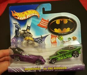 2004 HOT WHEELS BATMOBILE VS. THE RIDDLER CAR SET