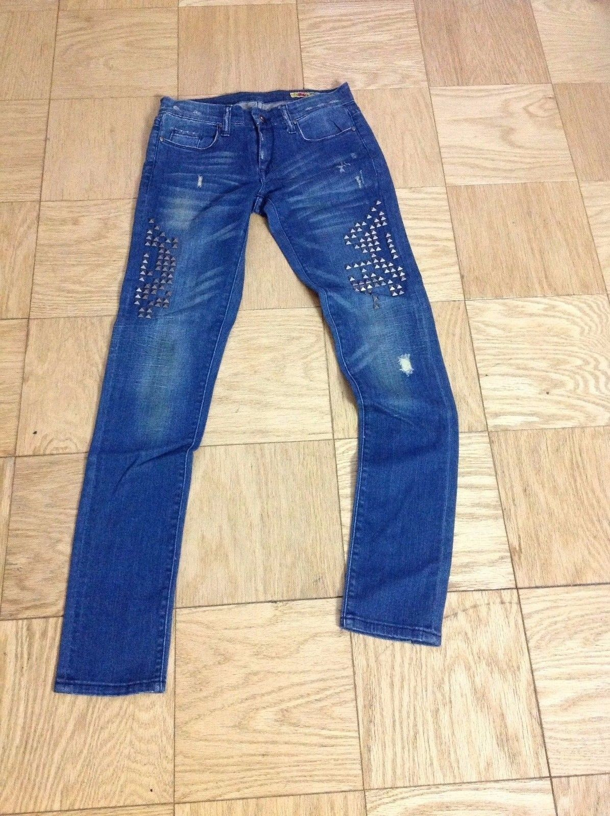 BLANK NYC BRAND NEW W TAG The Bexi Fit High Rise Studs Skinny Denim Jeans 27