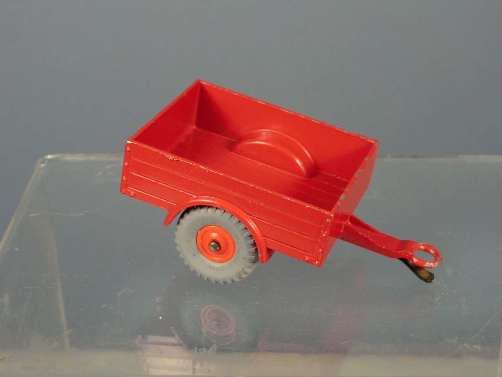 DINKY TOYS No.341 LAND ROVER TRAILER   RARE RED VERSION