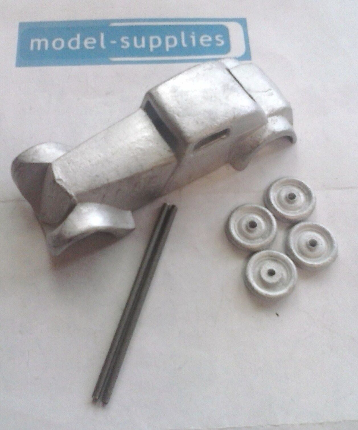 SLMC Sports Coupe (copy of French Dinky 22B) white metal kit