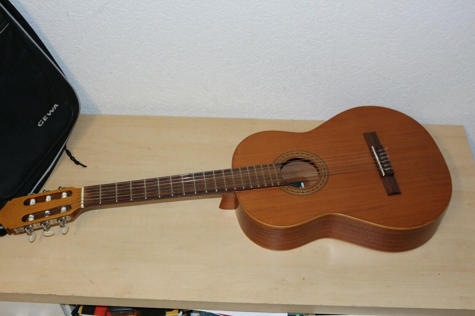 Raimundo y Aparicio Mod RT - 61 Meister Konzert  Gitarre mit Tasche Selten