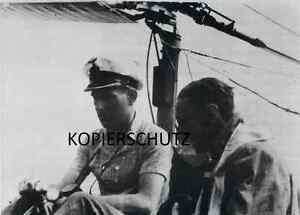 U-BOOT-KRIEG-FOTO-U-344-KOMMANDANT-ULRICH-PIETSCH-EPROBT-EINE-BACHSTELZE