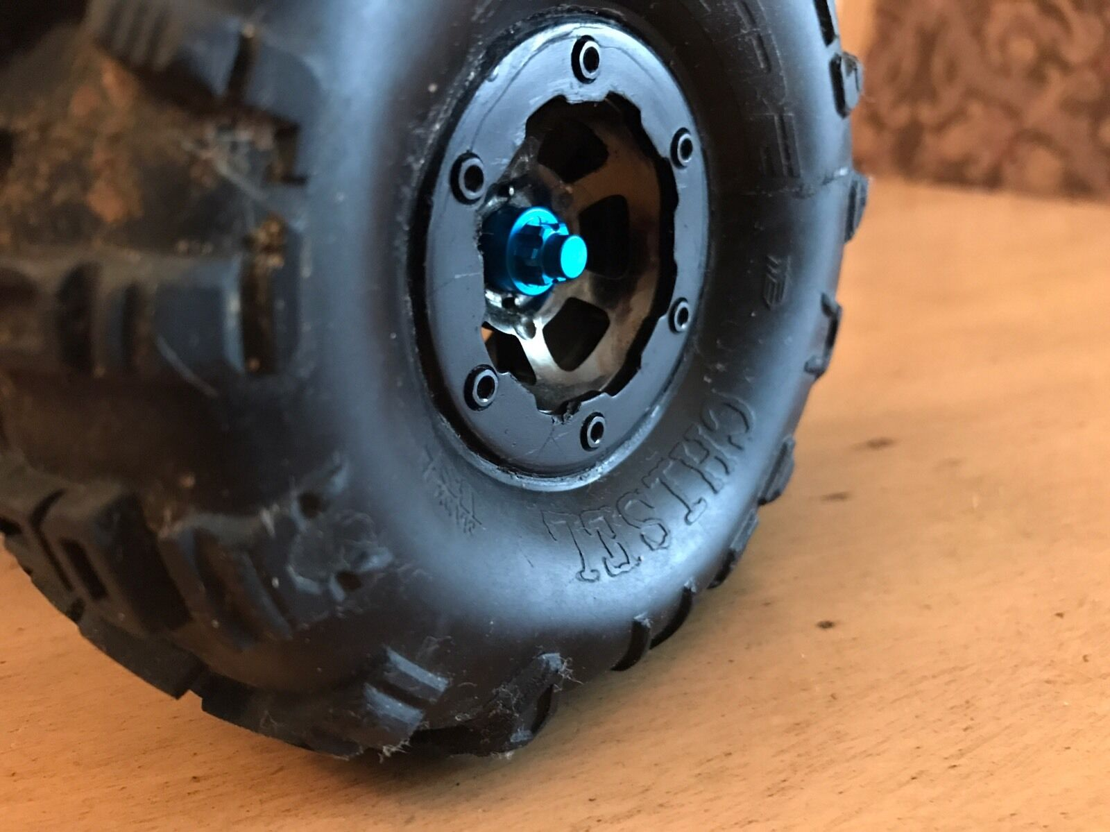 AXIAL SCX10 SCX10 SCX10 RED Serrated Wheel Nuts Simulated HD Hubs 4mm Wraith Scale Crawler 4e260e