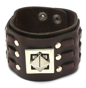 Brown-Leather-Snap-Button-Bracelet-with-Metal-Pyramid-Shape-Center