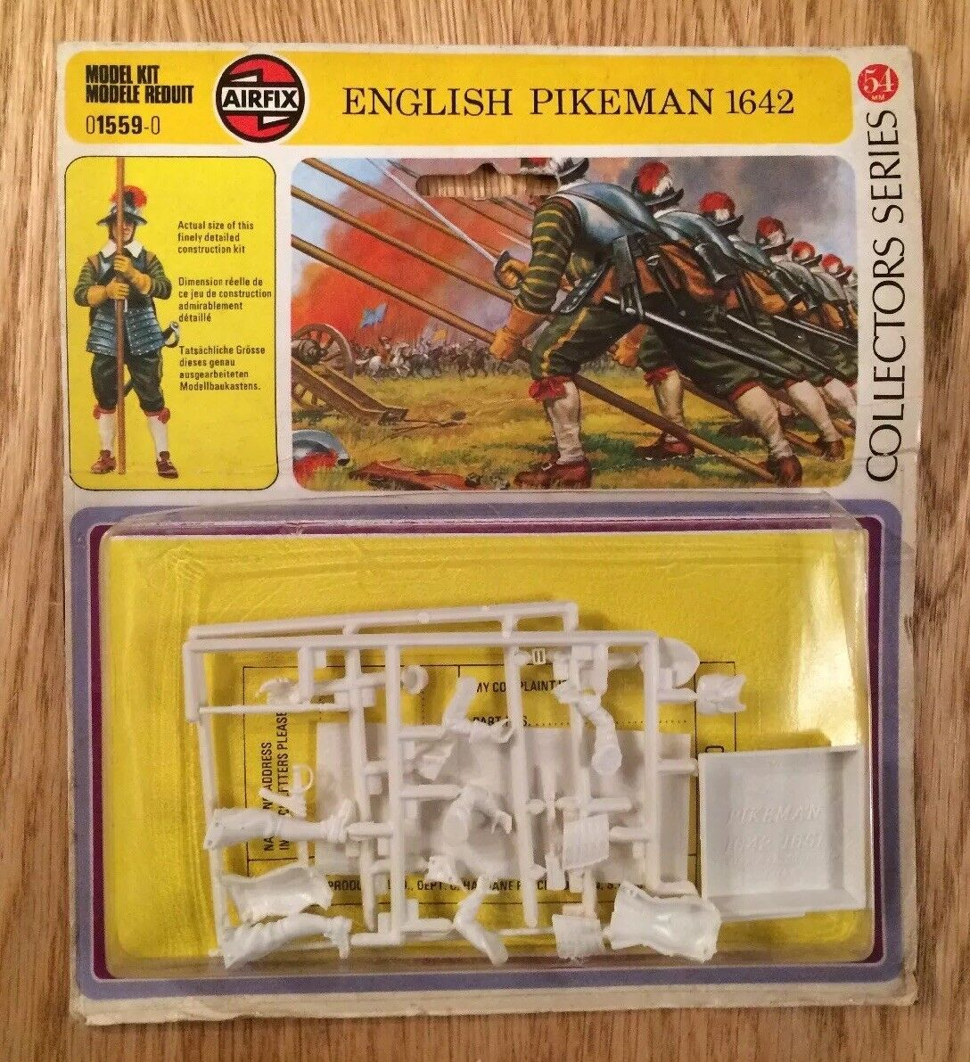 Sealed Airfix English Civil War Pikeman 1642 (1976) 54mm Model Collectors Series