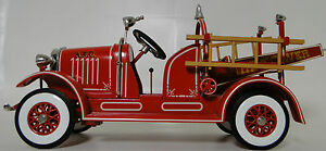 Pedal-Car-1920s-Ford-Truck-Fire-Engine-Red-Vintage-Metal-gt-gt-gt-9-Inches-in-Length