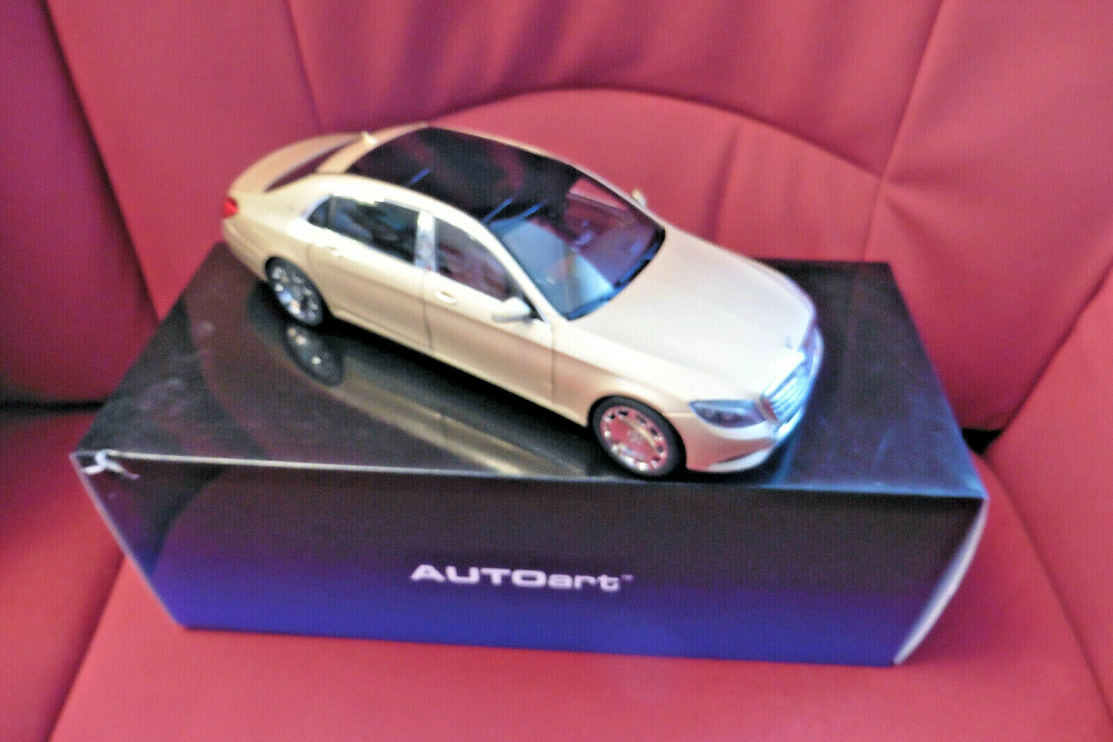 AUTOART 76294 Mercedes-Maybach S-Klasse S600, LIGHT or, 1 18, mint & boxed